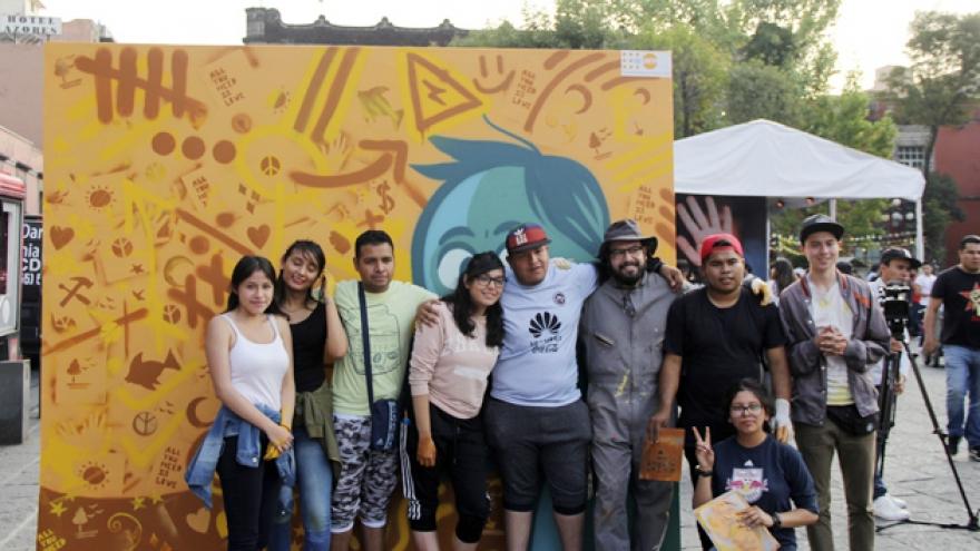 Intervención de muro con graffiti